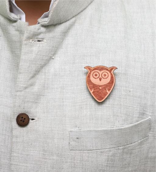 MM1131  OWL Wood Brooch