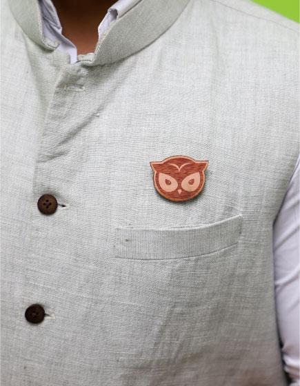 MM1132  Owl Face Wood Brooch